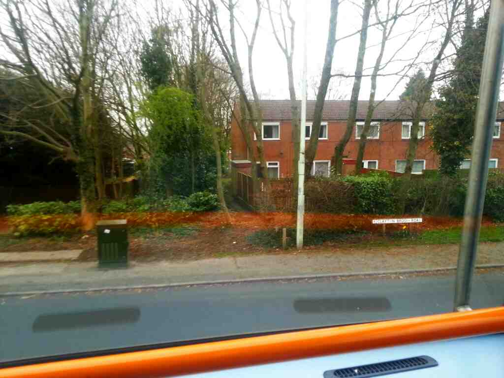 Turning Right into Clayton Brook Rd on a 125 bus