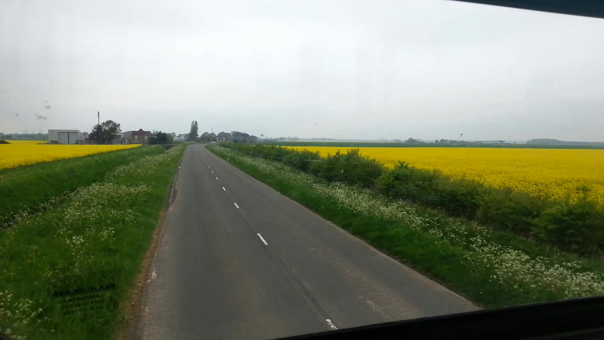 Approaching the end of Moorends Rd