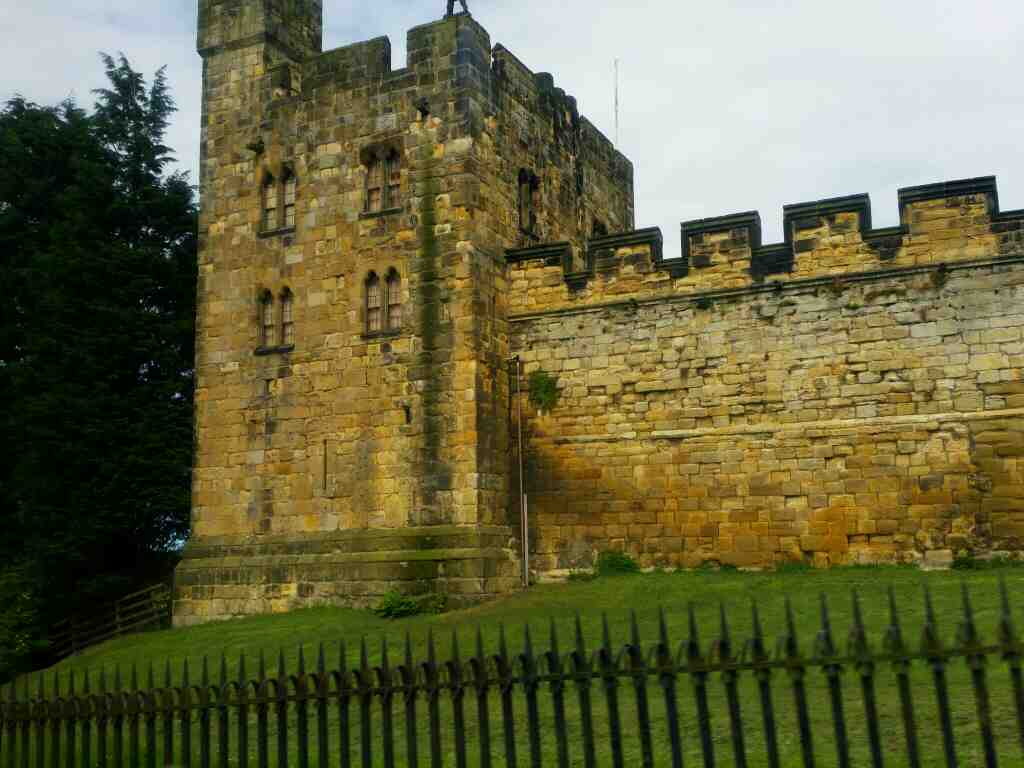 Passes Alnwick Castle on a X15 Newcastle to Berwick bus
