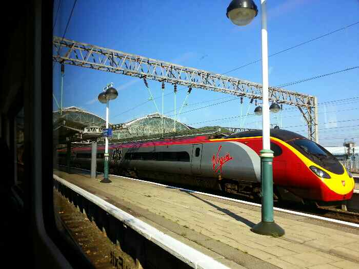 Manchester Piccadilly pendolino virgin trains
