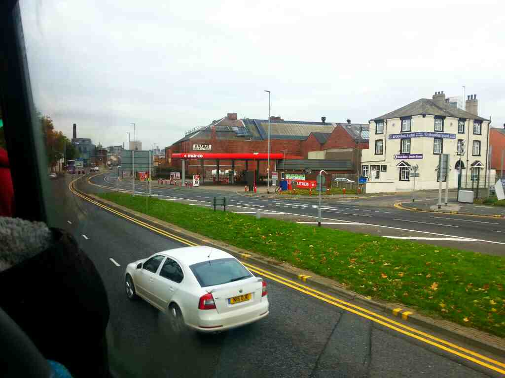 Hunslet Rd the A61 of a 110 bus